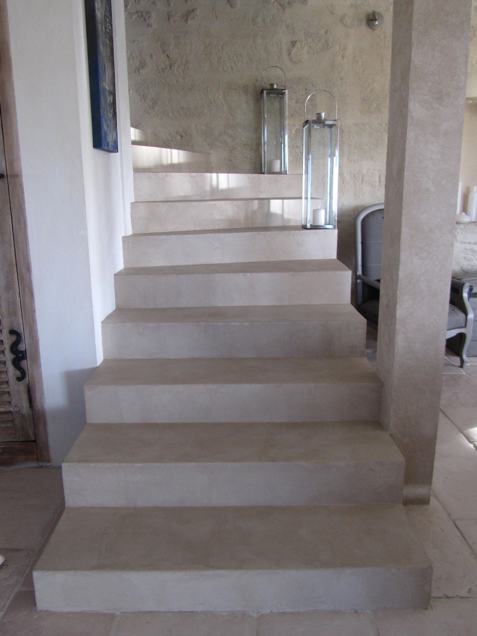 escalier en beton cire couleur pierre photo de beton cire catherine pendanx. Black Bedroom Furniture Sets. Home Design Ideas