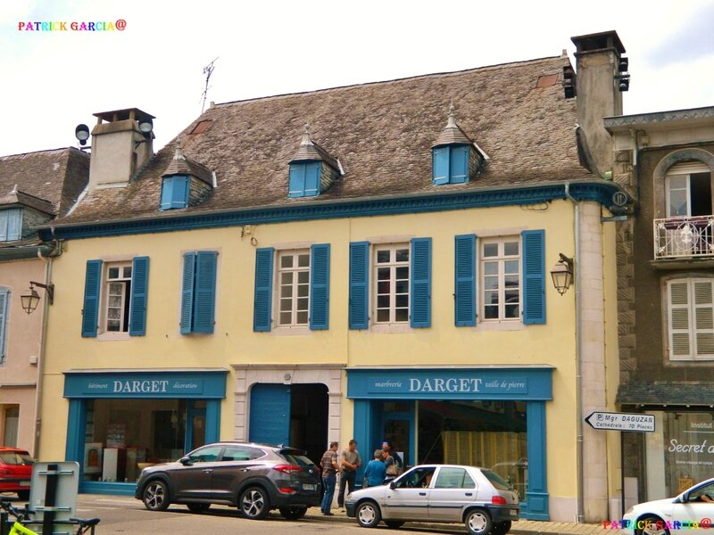 ND OLORON VG MAISONS 141 copie