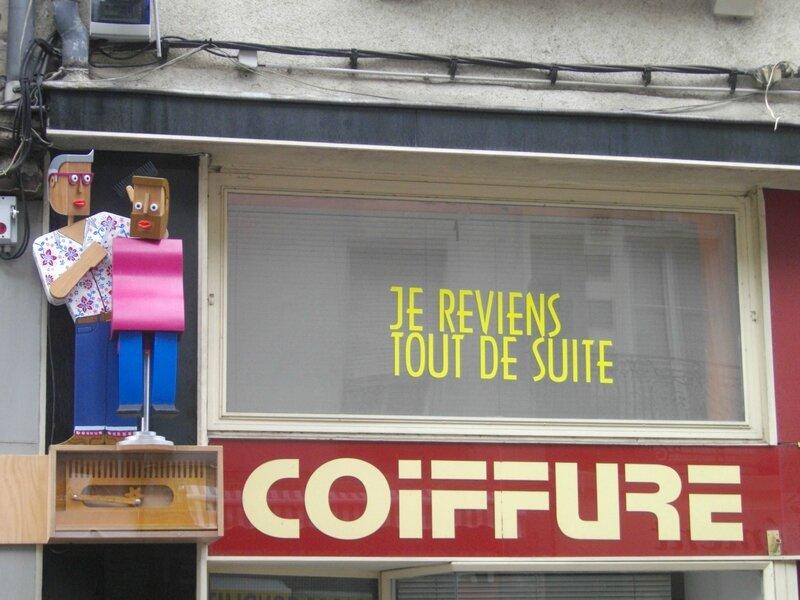 enseigne-voyage-nantes-fred-coiffure-rue-marechal-joffre