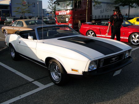 FORD_Mustang_Convertible___1973__Rencard du Burger King, Offenbourg 1_