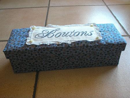 boite_a_boutons_bleue_fini4