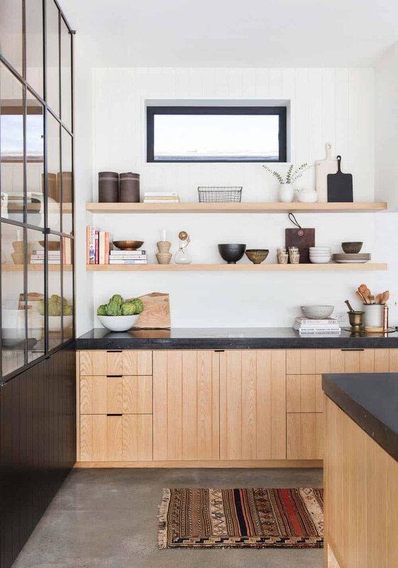 Scandinavian-Modern-Home-Potter-Mallis-23-1-Kindesign