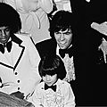 michael-attends-the-american-music-awards-in-california-alongside-donny-osmond-and-ricky-segall(1)-m-3