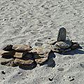 Land art sur la plage de penvins (morbihan)