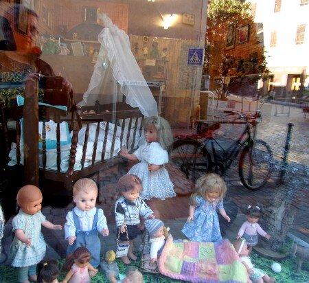 s_jour_collioure_nov_2016_le_17_AGDE_CHEZ_ANGE_ART_MODE_vitrine