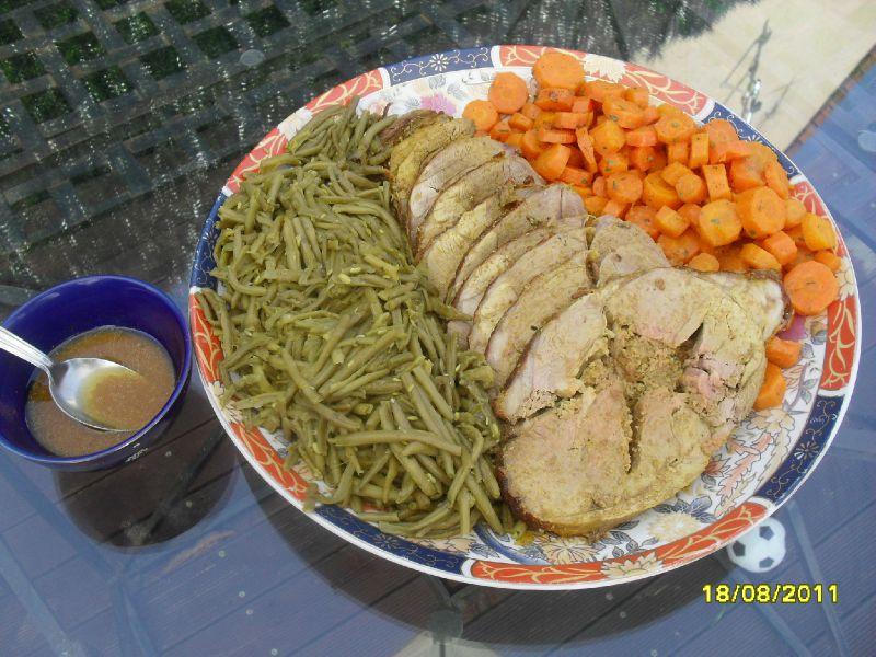 Gigot d'agneau farci accompagnement légumes
