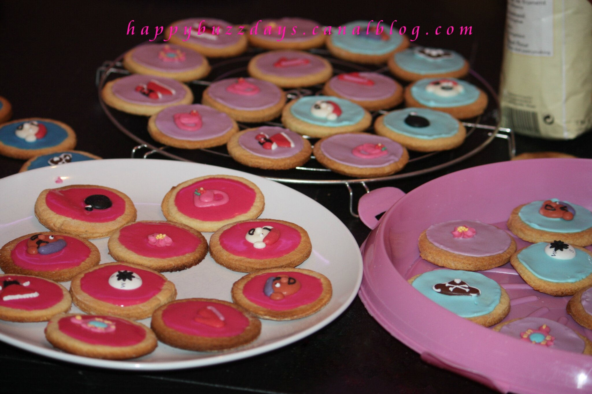 Biscuits Sables Avec Glacage Royal Happybuzzdays