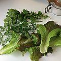 Pêle-mêle : le bonheur c'est simple comme ramasser ses herbes aromatiques dans son jardin