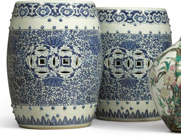 A pair of blue and white garden seats, Qing dynasty, 19th century