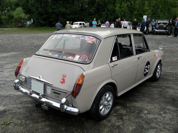 morris 1300 mkII 4door saloon 1967 1971 b