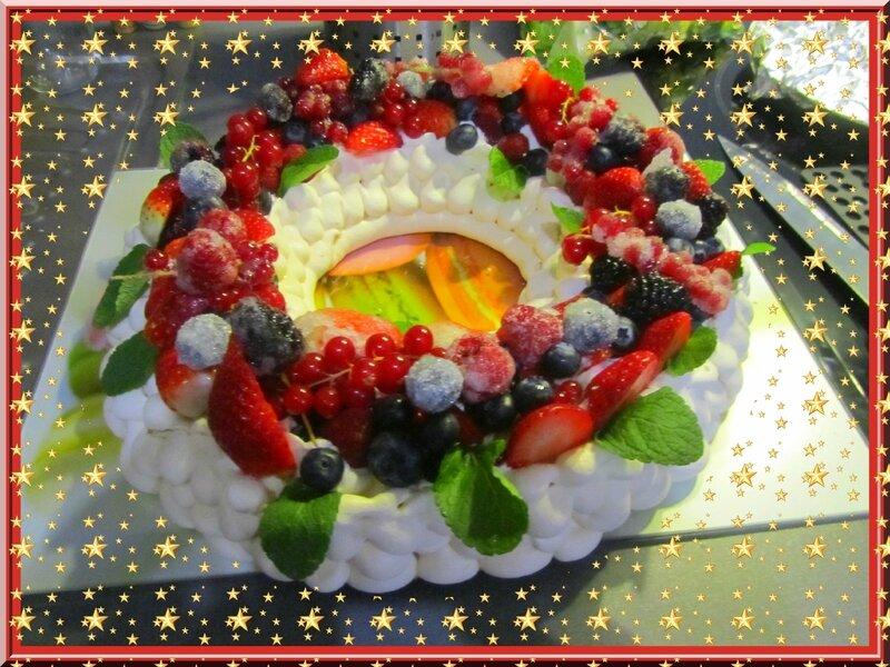 Pavlova couronne de Noël (3)