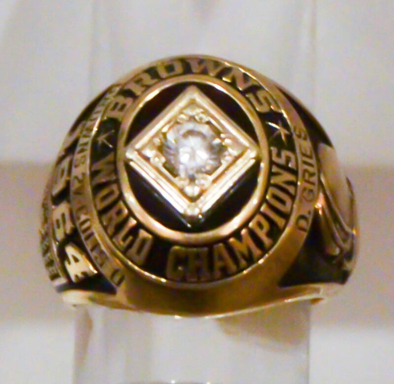 1964_Cleveland_Browns_World_Champions_ring
