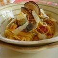 Spaghettis coques et coppa (alle vongole)