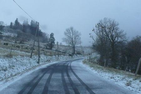 2008_11_22_Un_peut_de_neige_sur_la_route_du_Bouchat