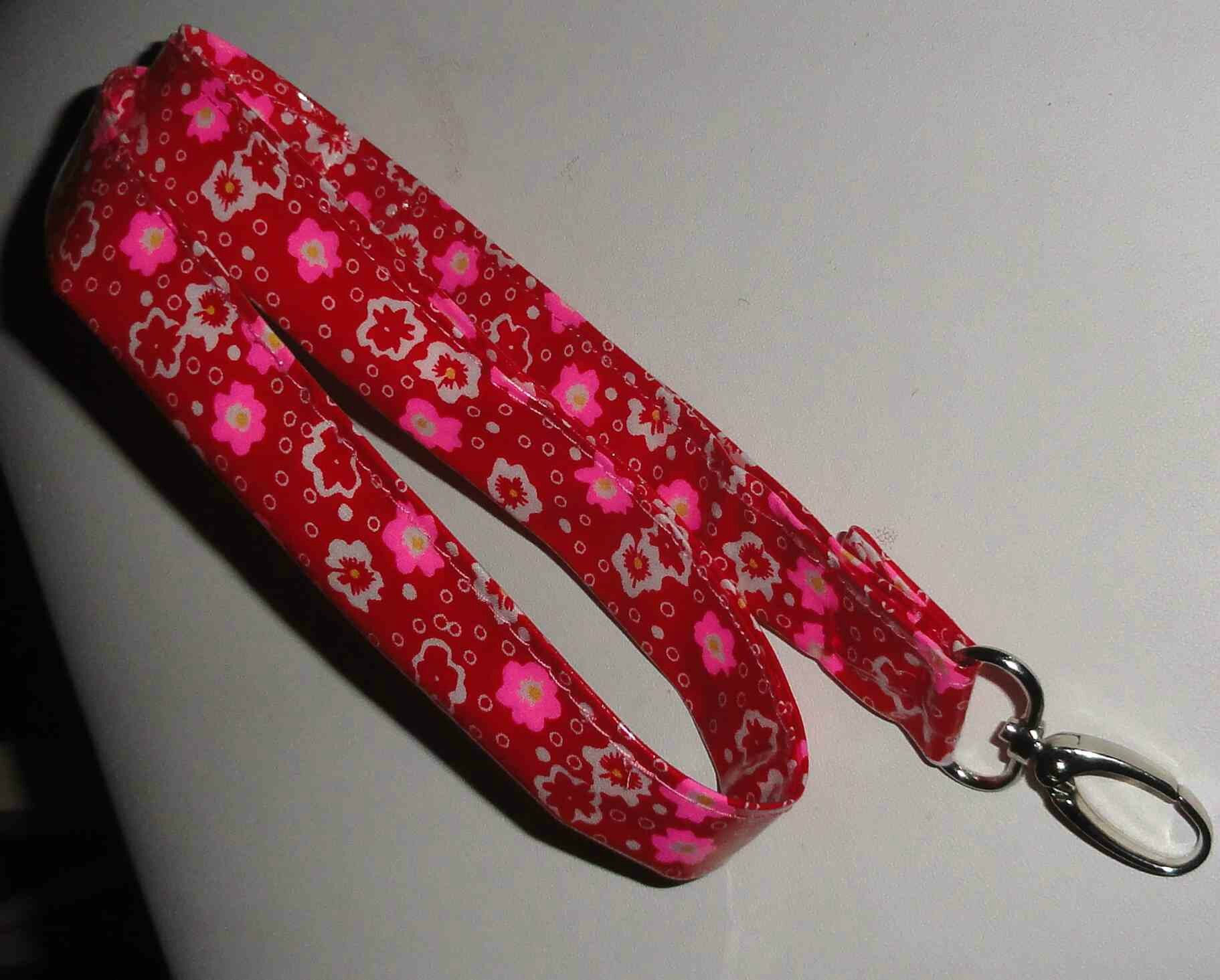porte clefs tour de cou petit pan cerisier rouge (5)