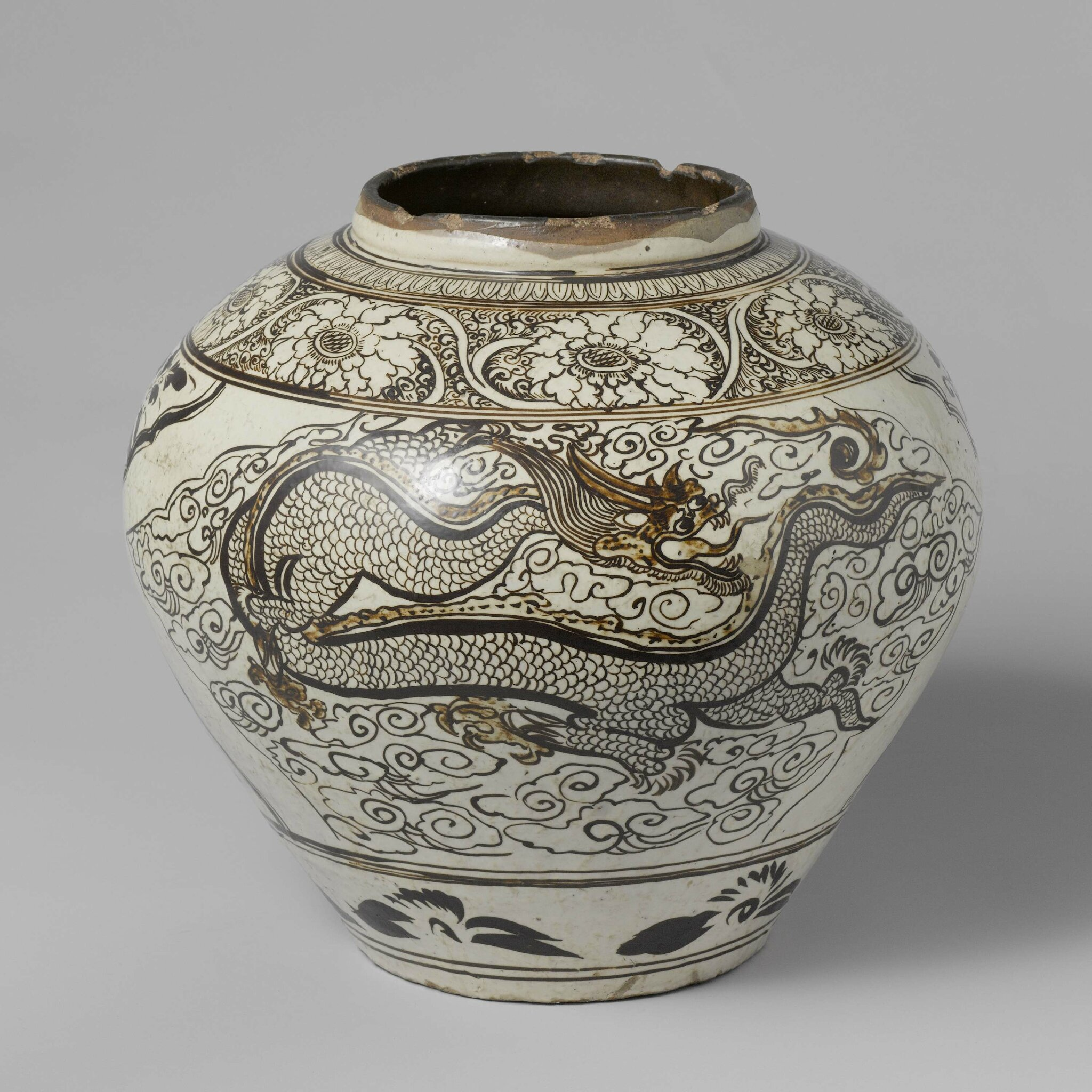 Cizhou pot with phoenix and dragon, Ming dynasty