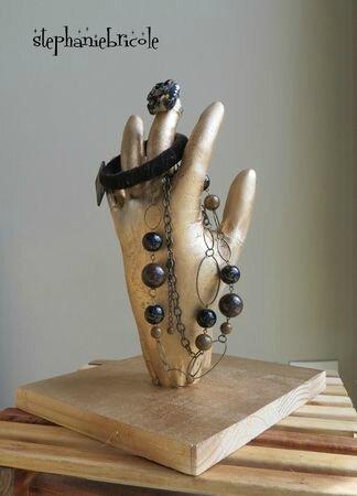 main porte bijoux