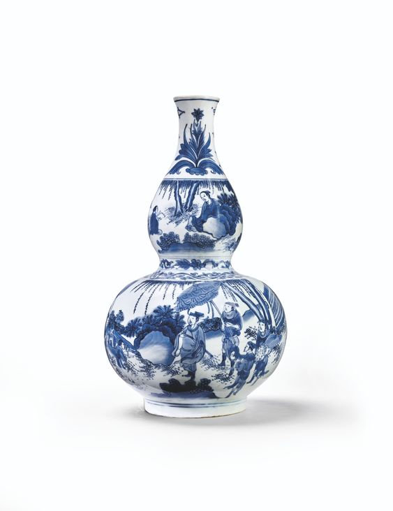 A blue and white double-gourd vase, Transitional period, 17th century