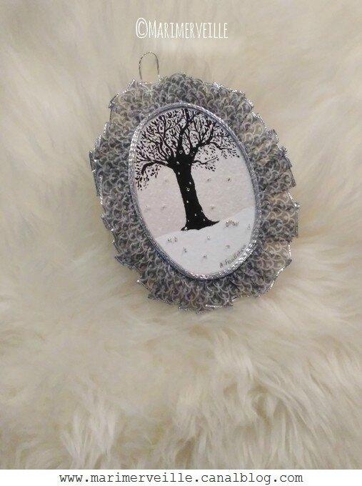 Médaillon arbre noir en hiver 2 - Marimerveille