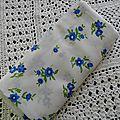 Voile blanc fleurs bleues