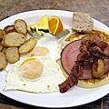 Des oeufs, de la sauce, et de la patate (le matin...)