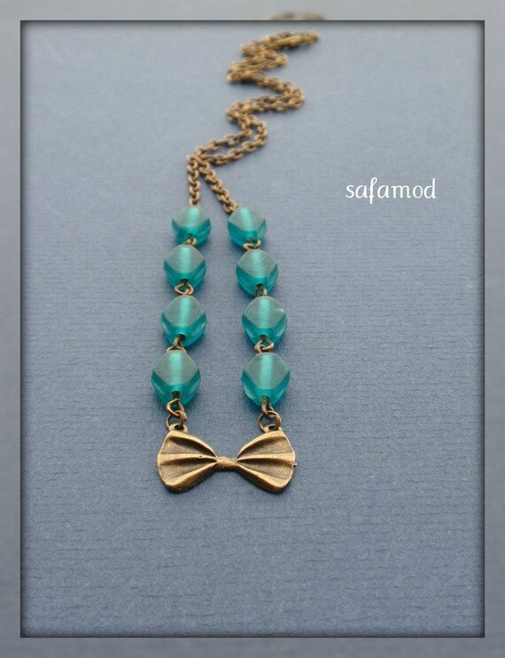 collier-collier-pendentif-ruban-noeud-perle-2500645-p1190064-7f8a1_570x0