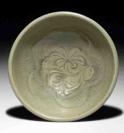 A Yaozhou celadon carved bowl, Northern Song-Jin dynasty, 12th-13th century