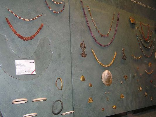 normal_louvre_egypte_bijoux