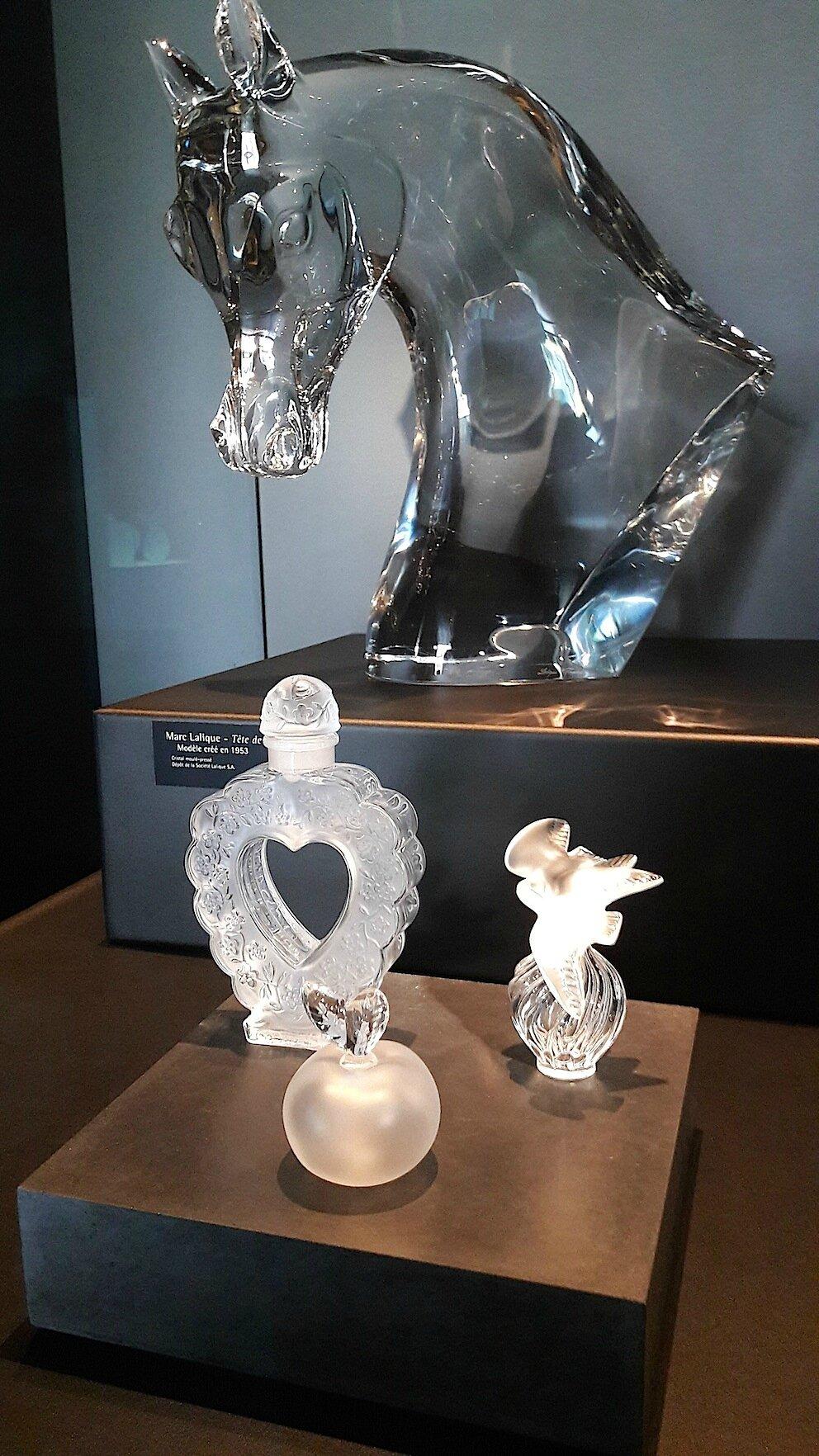 Lalique Flacons de Parfum et Tête de Cheval