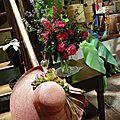 MISE EN SCENE , avec des fleurs