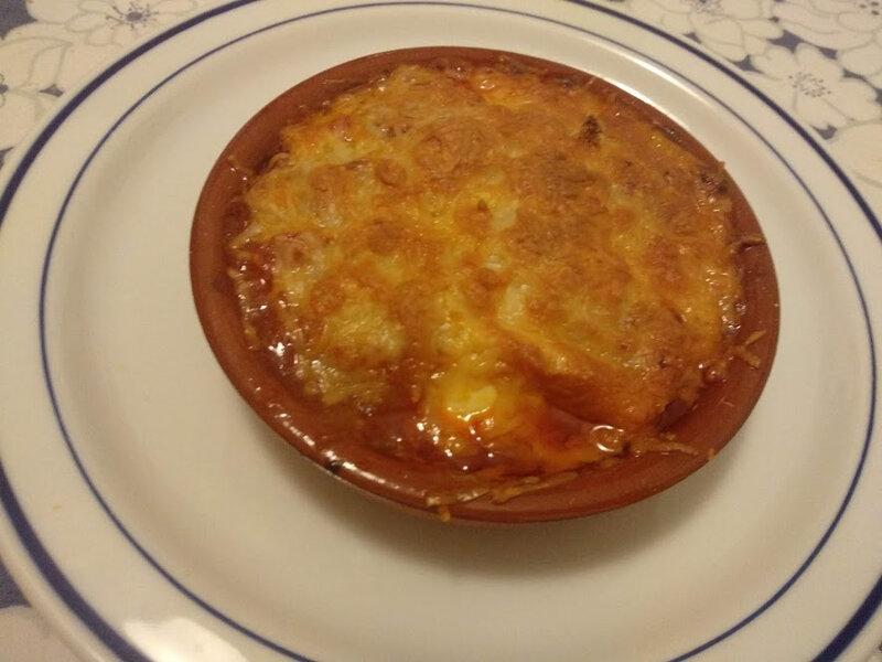 Gratin d'oeufs durs et champignons à la sauce tomate A