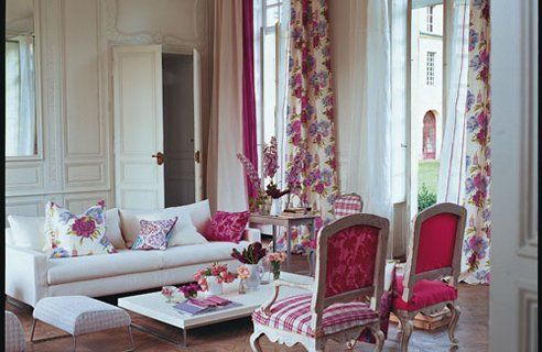 10-Designers-Guild-Living-Room-Design-Lg--gt_full_width_landscape