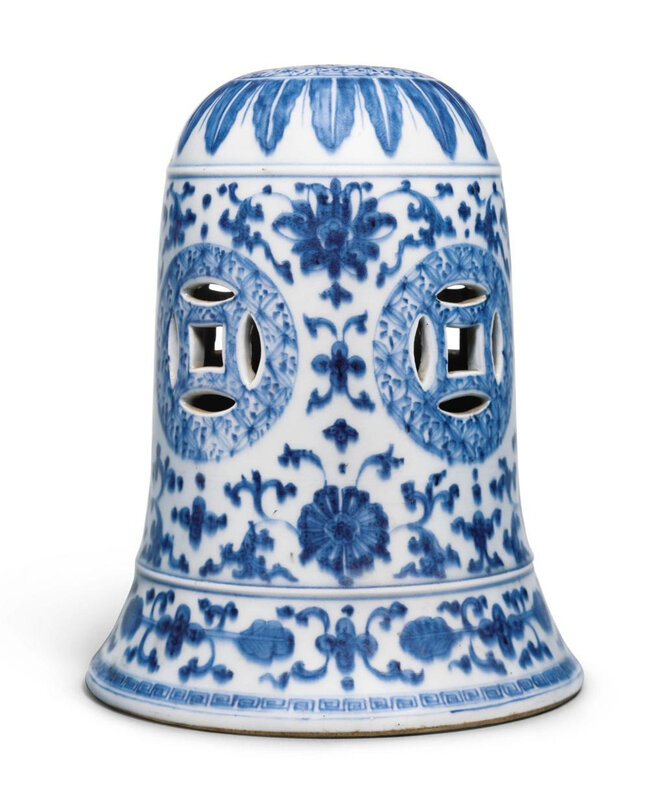 A blue and white 'Floral' bell, Qing dynasty, 18th century