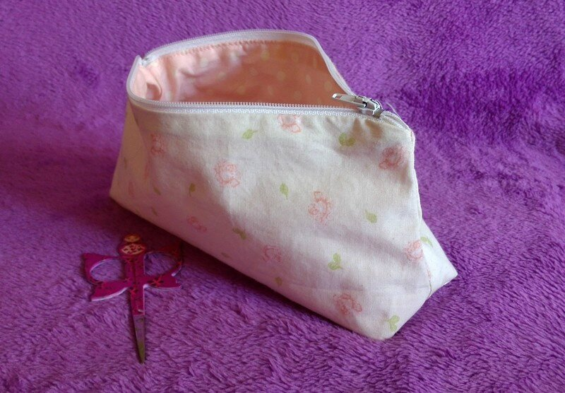 Trousse ext pois int 800