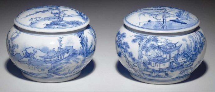 A_rare_pair_of_blue_and_white_weiqi_counter_boxes_and_covers__Transitional_period__circa_1645_1655_