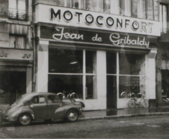 DeGribaldy18 place_marche_magasin_1959