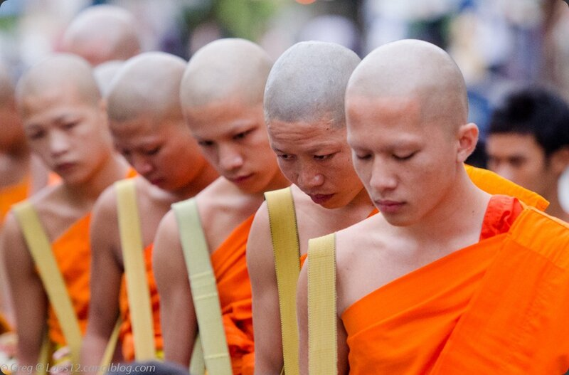 Laos Moines Monks