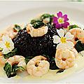 Riz vénéré aux crevettes, pousses d'épinards et sauce au safran.....