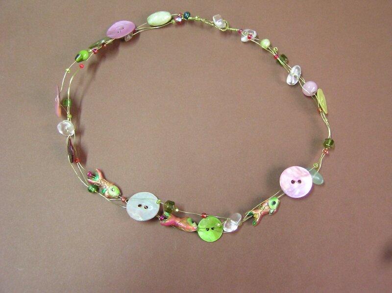 Collier boutons - rose et vert