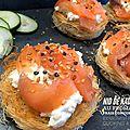Nid de kadaïf au fromage frais, concombre et saumon fumé