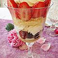 Fontainebleau aux fraises et aux myrtilles en verrines - jeu concours feeling cooking : les verrines salées ou sucrées de l'été