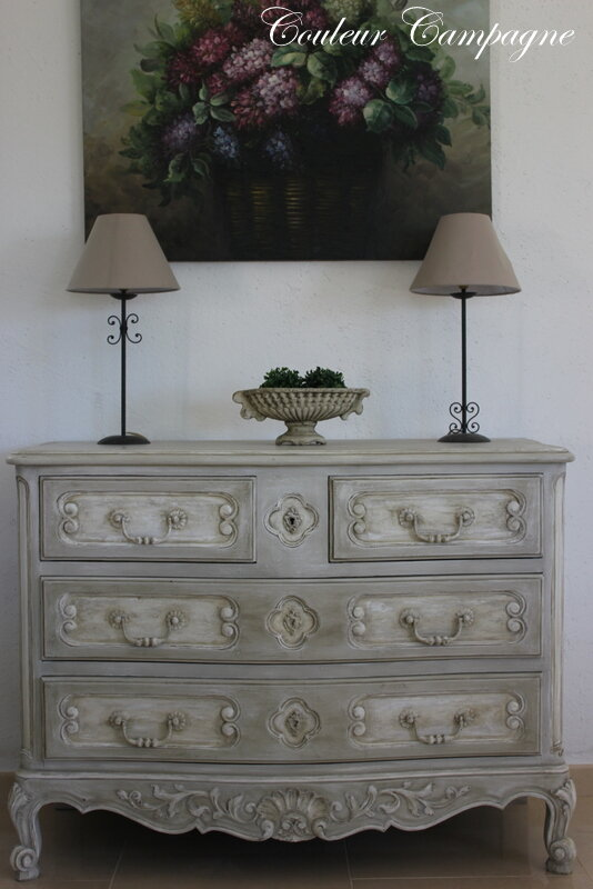 commode patin e style louis xv couleur campagne. Black Bedroom Furniture Sets. Home Design Ideas