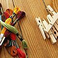 Utiliser des pinces à linges pour tenir du fil