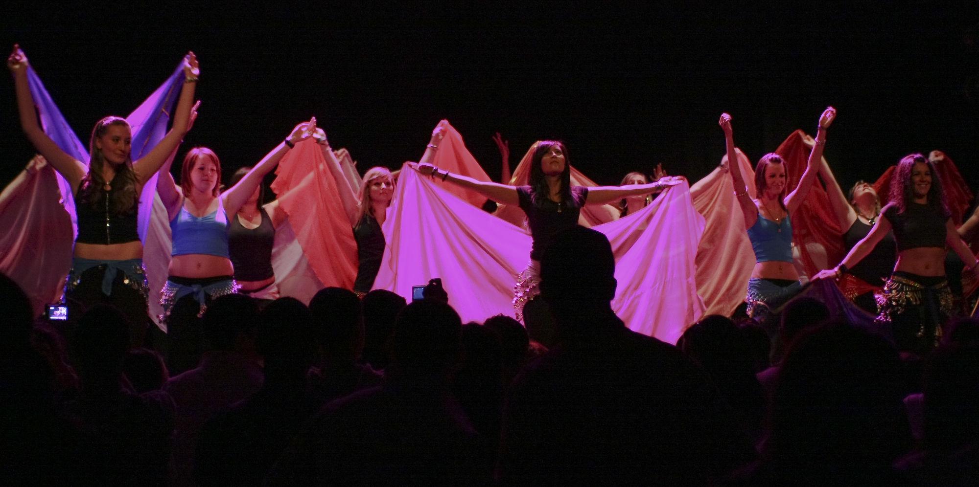 Atelier5-DanseOrientale-LeGrandMix-Quartiers2Lune2009-135