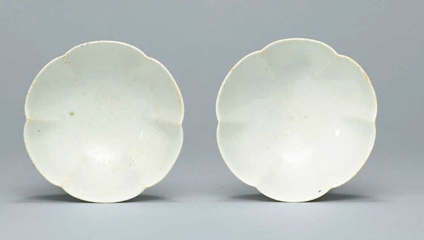 A pair of Qingbai petal-lobed bowls, Song Dynasty