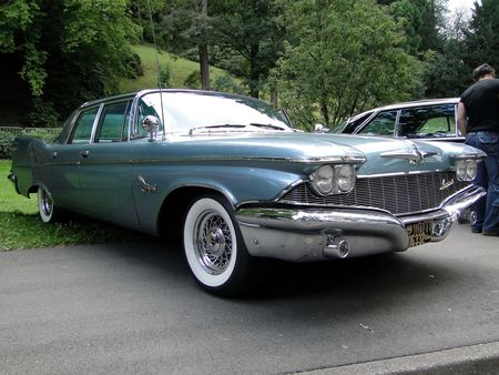 IMPERIAL_Crown_4door_Sedan___1960