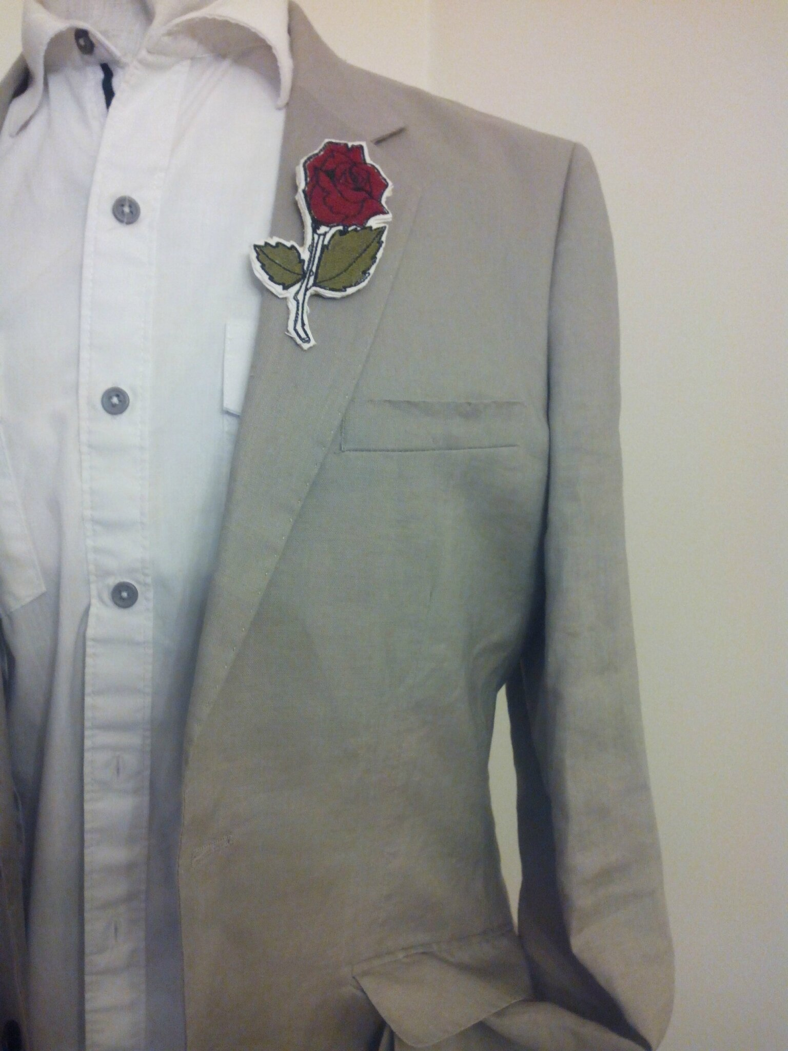 BOUTONNIERE ROSE BRODEE URBAN STYLE CARTOON AMD A COUDRE (6)