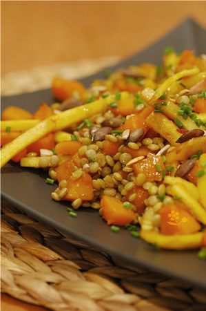 Salade tiède lentilles blondes, courge, panais & graines