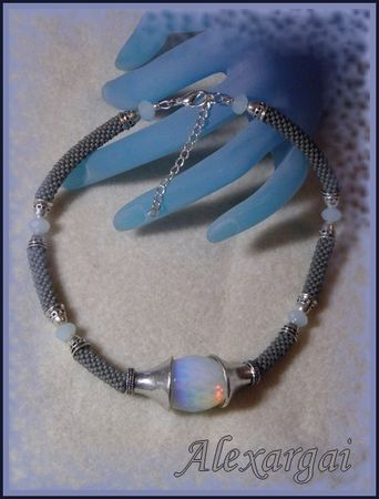 Collier_Looma_2