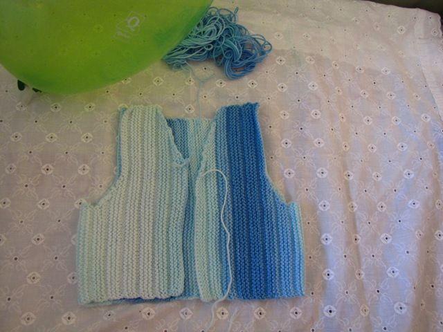 gilet bleu en katia candyfermé
